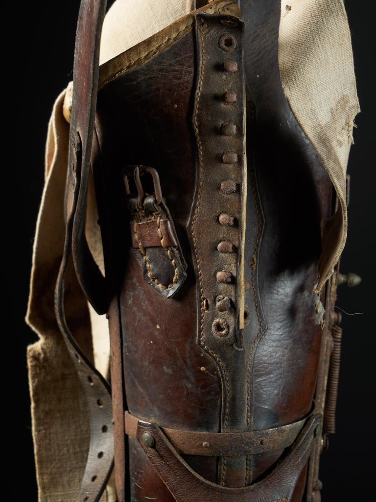 19th Century, Italian Original Wooden Prosthetic Leg For Sale 2