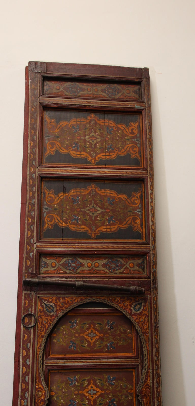 19th Century Moroccan Antique Double Door with Hand Painted Moorish Designs For Sale 5