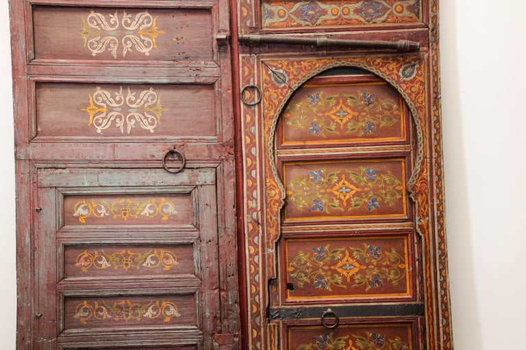 19th Century Moroccan Antique Double Door with Hand Painted Moorish Designs In Distressed Condition For Sale In North Hollywood, CA