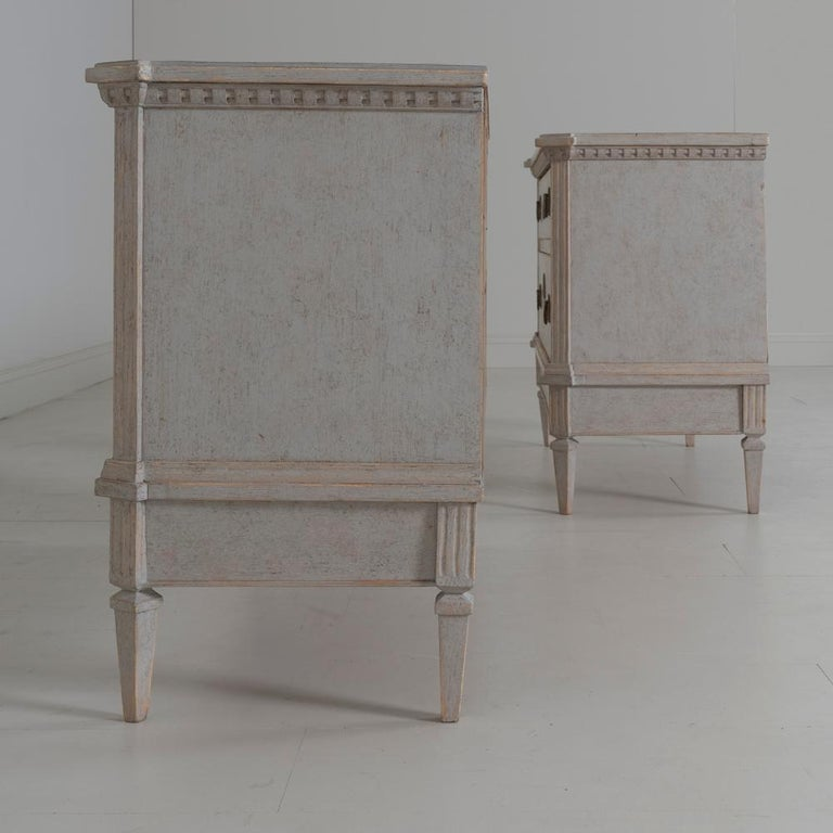 19th Century Swedish Gustavian Style Pair of Bedside Chests For Sale 6