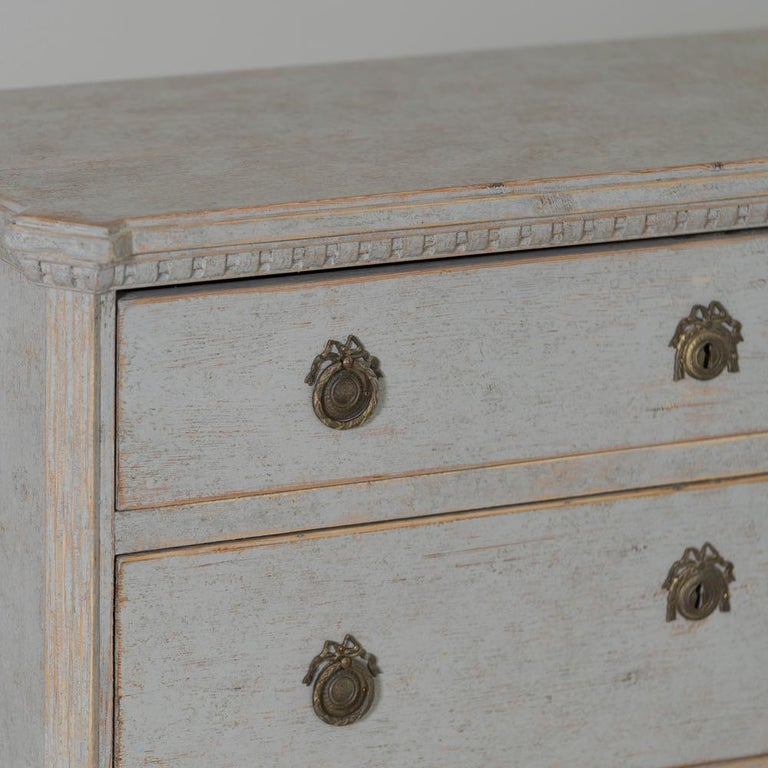 Paint 19th Century Swedish Gustavian Style Pair of Bedside Chests For Sale