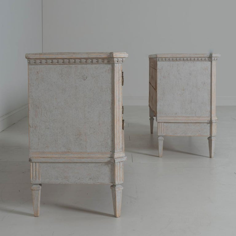 19th Century Swedish Gustavian Style Pair of Bedside Chests For Sale 5