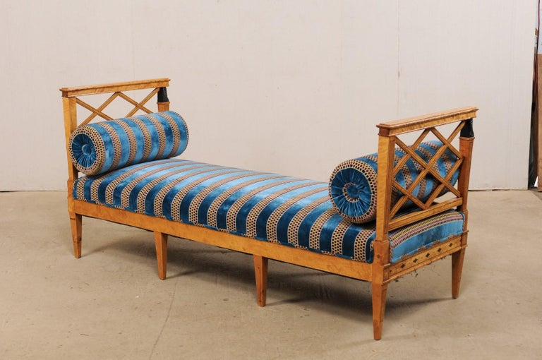 Swedish Neoclassical Style Upholstered Bench with Egyptian Revival Carvings In Good Condition For Sale In Atlanta, GA