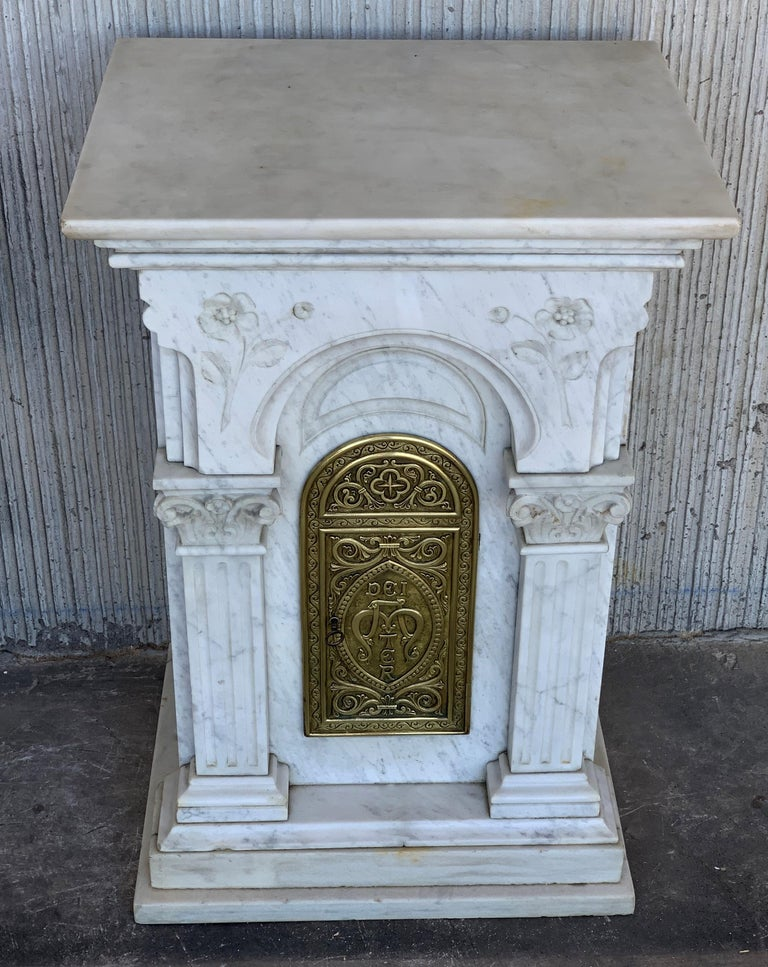 Spanish 19th Century Carved Carrara Marble and Bronze Monstrance for Custody