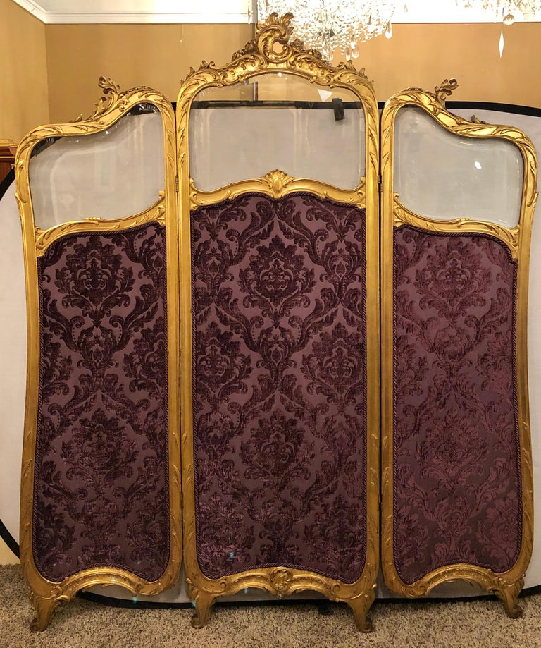 19th Century Louis XV, Giltwood Three Fold Screen with Original Glass Panels  In Good Condition For Sale In Stamford, CT