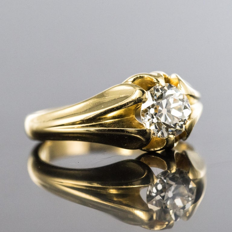 19th Century 0.80 Carat Diamond 18 Karat Yellow Gold Bangle Ring In Good Condition For Sale In Poitiers, FR