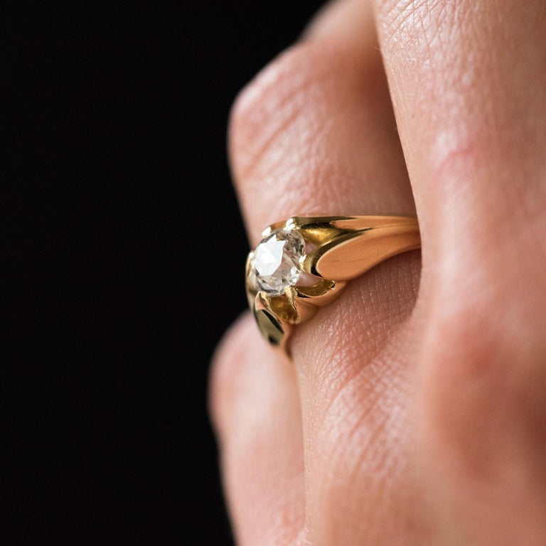 19th Century 0.80 Carat Diamond 18 Karat Yellow Gold Bangle Ring For Sale 4