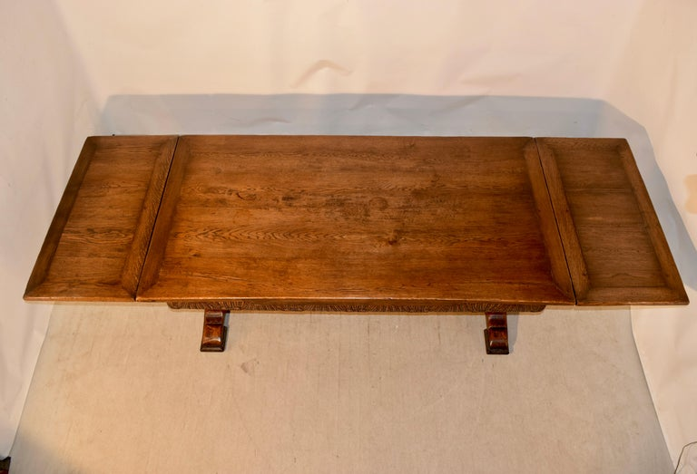 19th Century English Oak Draw Leaf Table For Sale 7