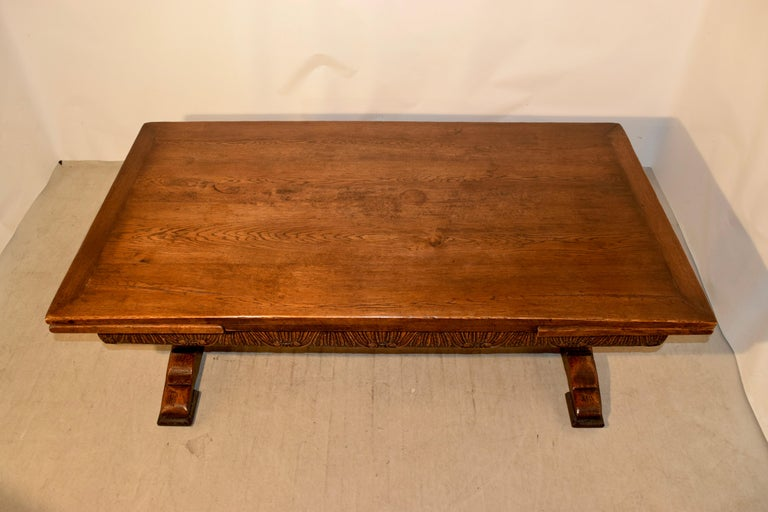 19th Century English Oak Draw Leaf Table For Sale 2