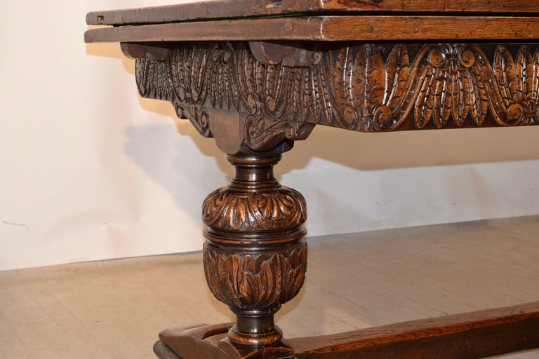 19th Century English Oak Draw Leaf Table For Sale 3