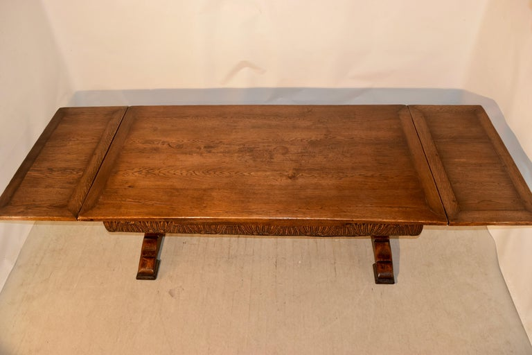 19th Century English Oak Draw Leaf Table For Sale 4