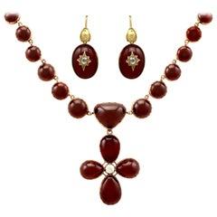 19th Century 206.60 Carat Garnet 1.49 Carat Diamond Yellow Gold Jewelry Set