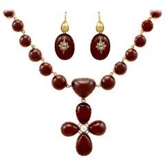 19th Century 206.60Ct Cabochon Cut Garnet 1.49Ct Diamond Gold Jewelry Set