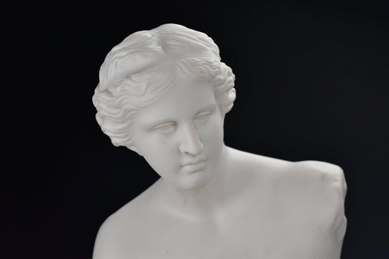 19th Century 28 Inch Parian Porcelain Statue Venus de Milo Greek Goddess of Love In Good Condition For Sale In Newport, NH