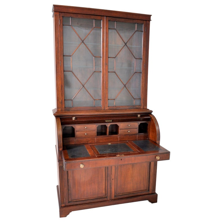 19th Century American Mahogany Cylinder Bookcase/Secretary/Desk, circa 1860 For Sale