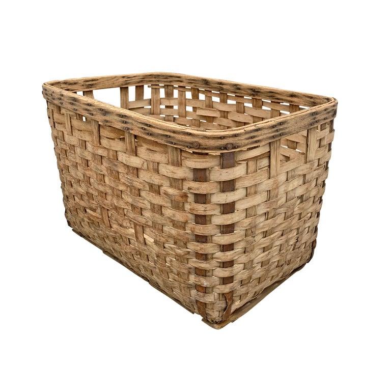 Hand-Woven 19th Century American Oak Splint Basket For Sale