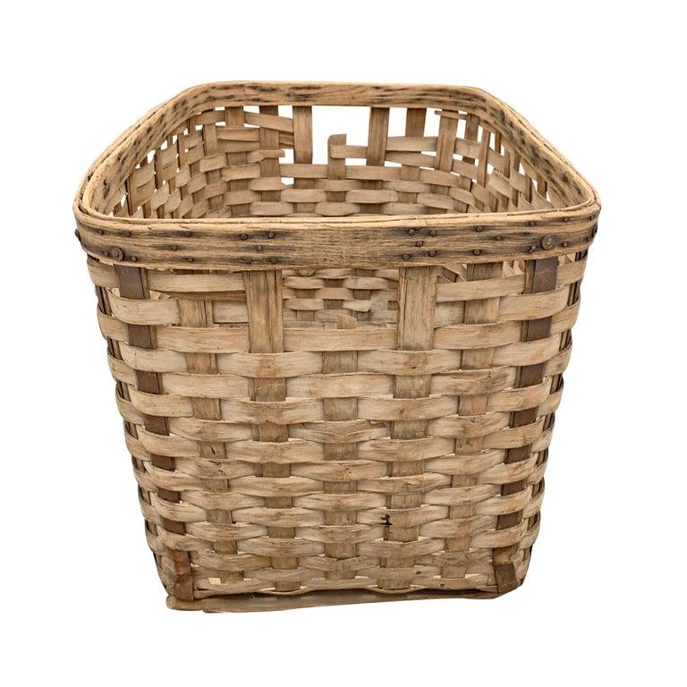 19th Century American Oak Splint Basket In Good Condition For Sale In Chicago, IL