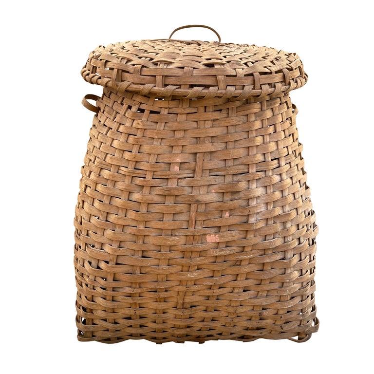 Hand-Woven 19th Century American Oak Splint Feather Basket For Sale