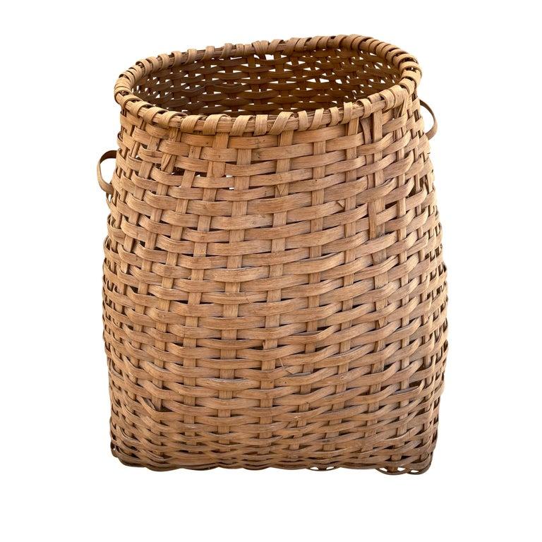 19th Century American Oak Splint Feather Basket For Sale 2
