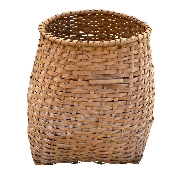 19th Century American Oak Splint Feather Basket For Sale 3