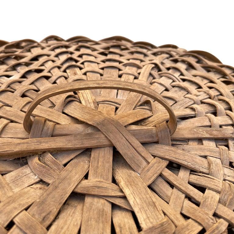 19th Century American Oak Splint Feather Basket For Sale 4