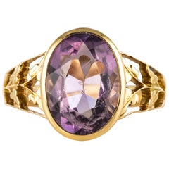 19th Century Amethyst 18 Karat Yellow Gold Leaf Decoration Ring