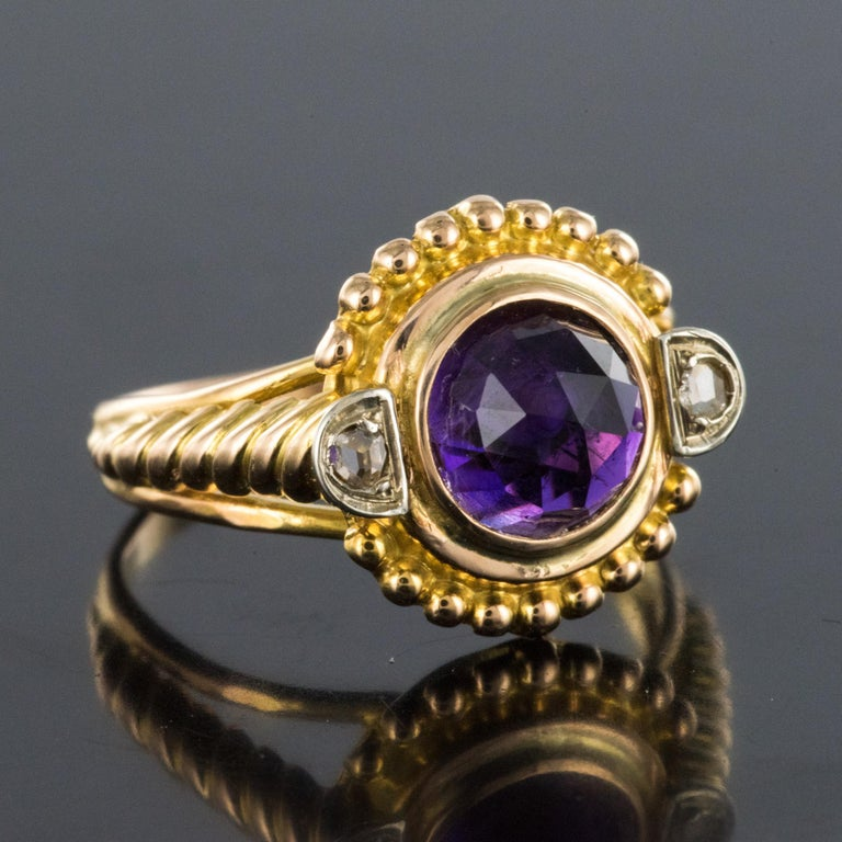 19th Century Amethyst Diamonds 18 Karat Yellow Gold Ring In Good Condition For Sale In Poitiers, FR
