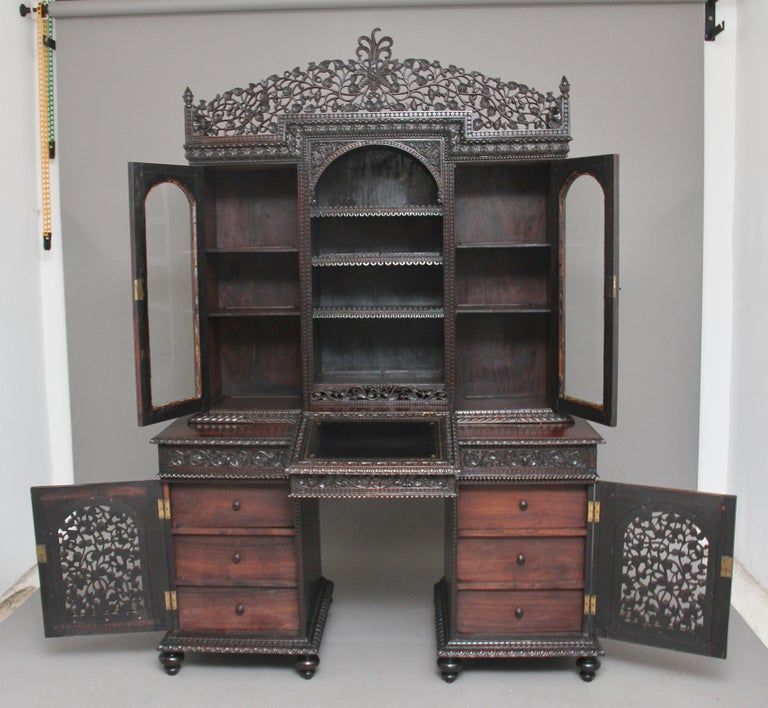 English 19th Century Anglo-Indian bookcase For Sale