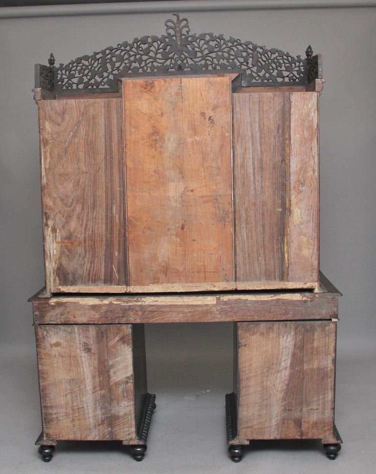 Hardwood 19th Century Anglo-Indian bookcase For Sale