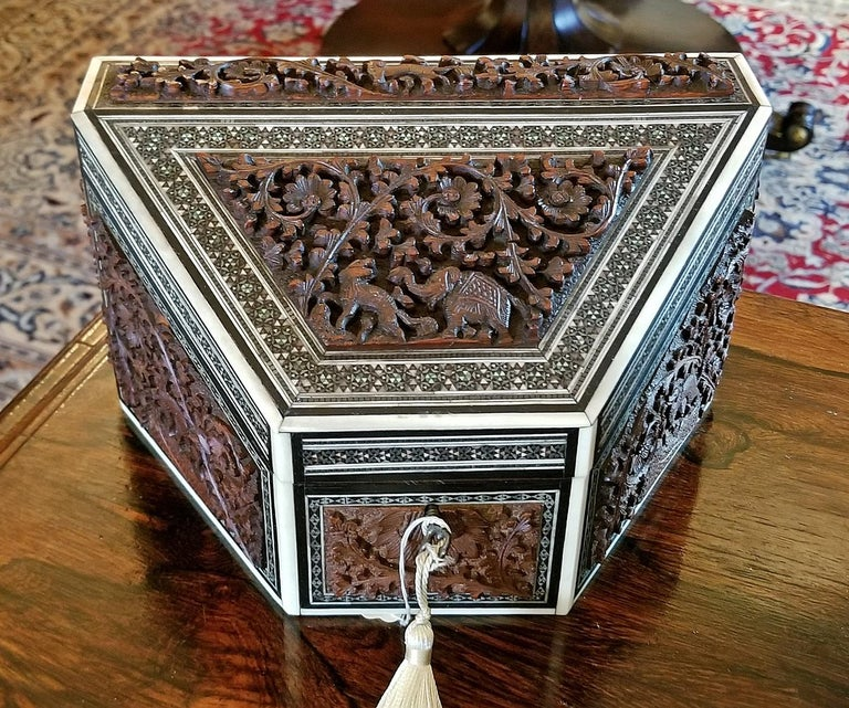 19th Century Anglo-Indian Carved Padouk and Sadeli Stationary Box For Sale 1