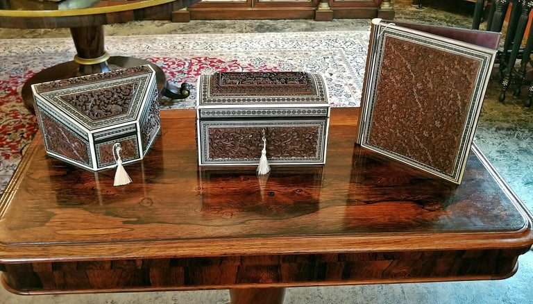 19th Century Anglo-Indian Carved Padouk and Sadeli Stationary Box For Sale 2