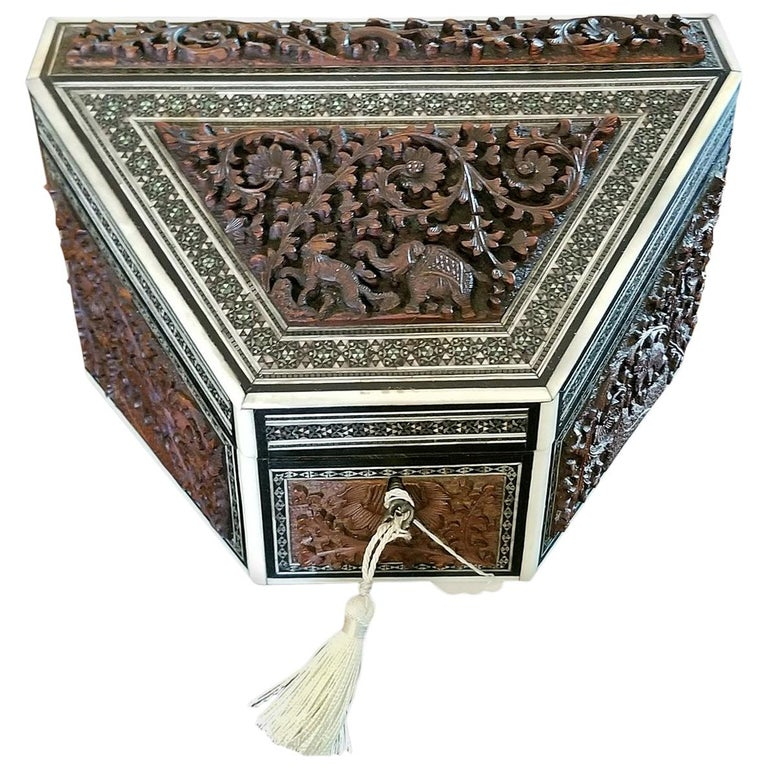 19th Century Anglo-Indian Carved Padouk and Sadeli Stationary Box For Sale