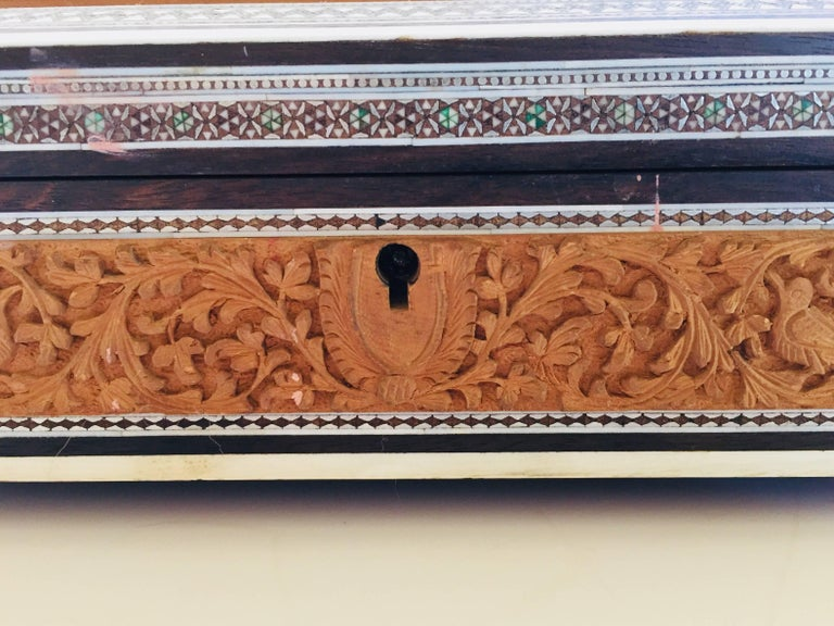 19th Century Anglo-Indian Sadeli Mosaic Jewelry Box with Lidded Compartments In Good Condition For Sale In Los Angeles, CA