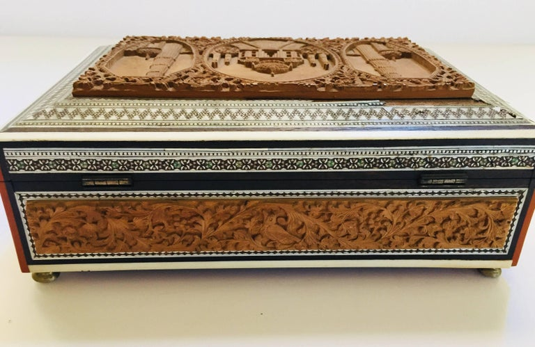 19th Century Anglo-Indian Sadeli Mosaic Jewelry Box with Lidded Compartments For Sale 4
