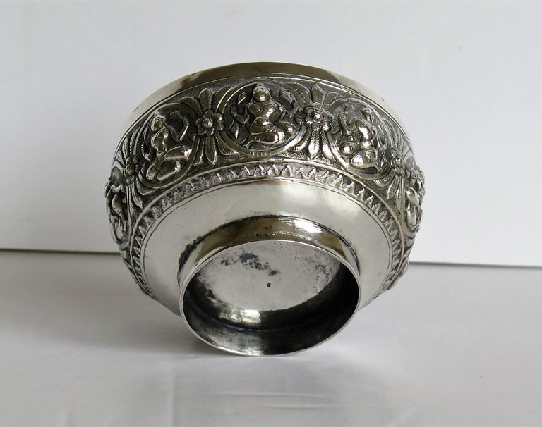 19th Century Anglo Indian Solid Silver small Bowl hand made with chased Dieties For Sale 12