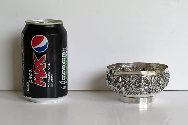 19th Century Anglo Indian Solid Silver small Bowl hand made with chased Dieties For Sale 15