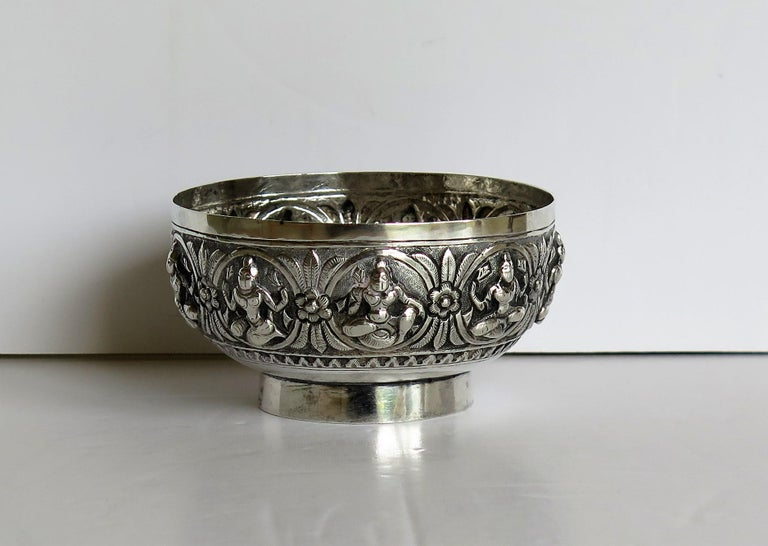 19th Century Anglo Indian Solid Silver small Bowl hand made with chased Dieties For Sale 3