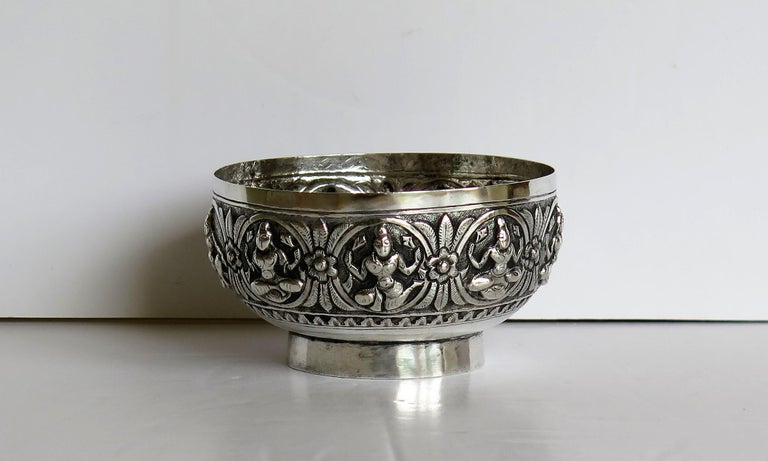 19th Century Anglo Indian Solid Silver small Bowl hand made with chased Dieties For Sale 4