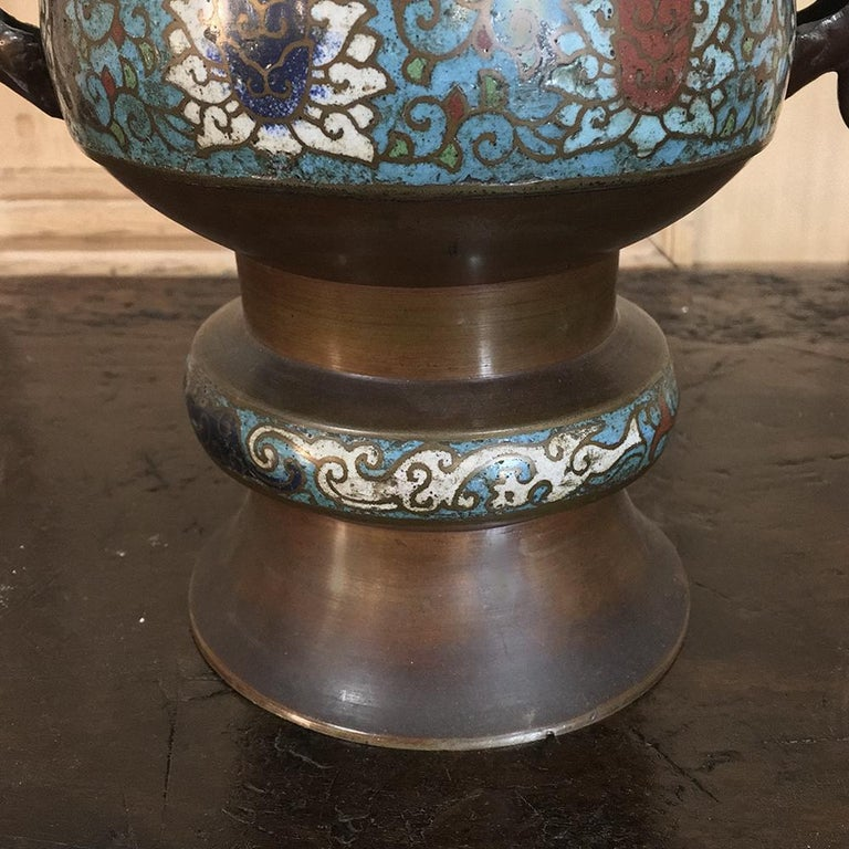 19th Century Asian Cloisonné Incense Burner In Good Condition For Sale In Dallas, TX