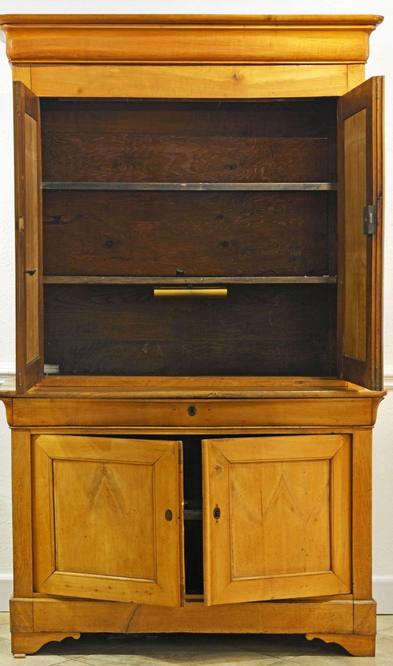 19th Century Austrian Biedermeier Fruit Wood Step Back Two Part Cubboard In Good Condition In Ft. Lauderdale, FL