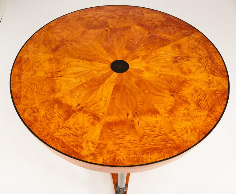19th Century Biedermeier Center or Round Dining Table with Columns on Ball Feet In Good Condition For Sale In St. Louis, MO