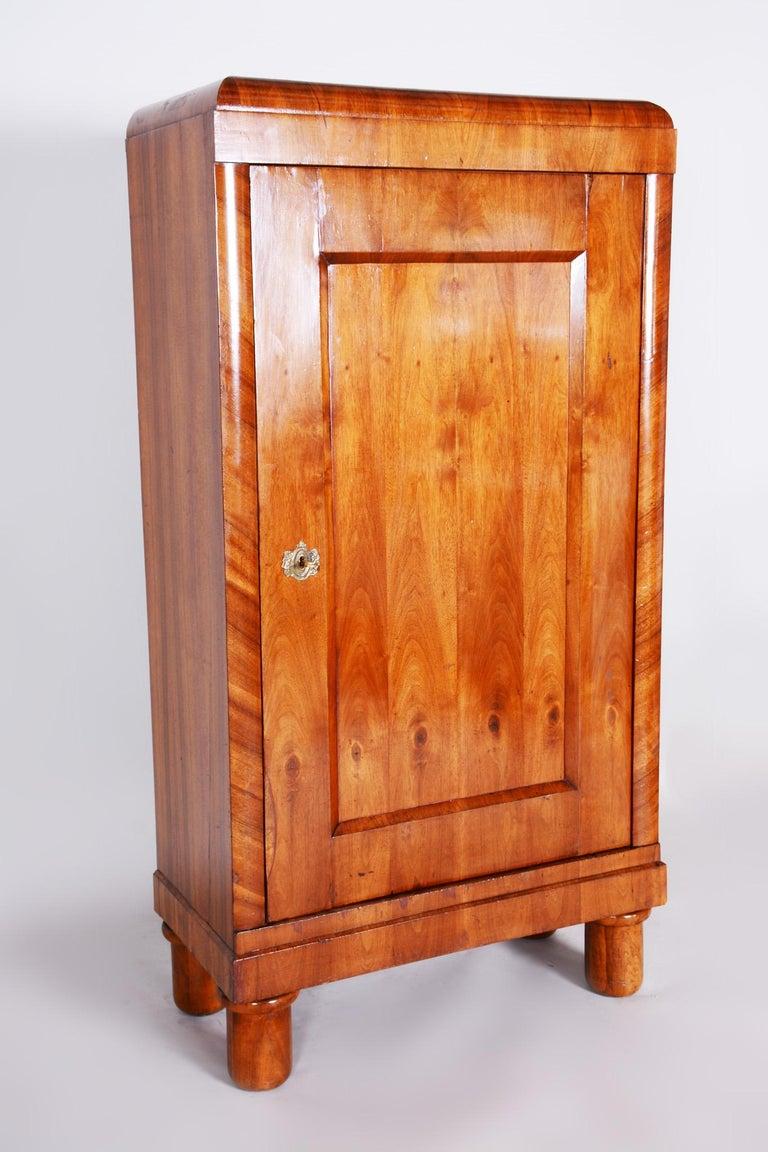 19th Century Biedermeier Czech Walnut Wardrobe, Completely Restored, 1830s In Good Condition For Sale In Prague 1, CZ