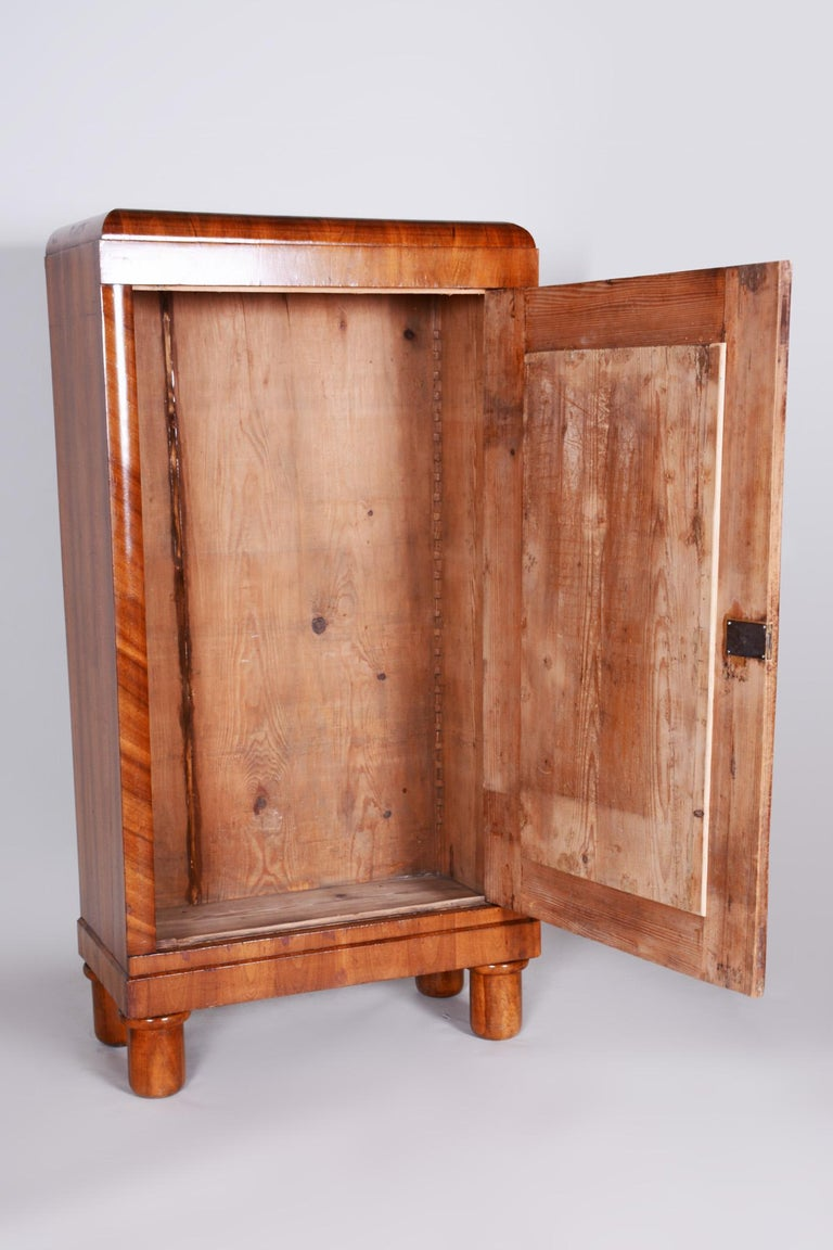 19th Century Biedermeier Czech Walnut Wardrobe, Completely Restored, 1830s For Sale 1