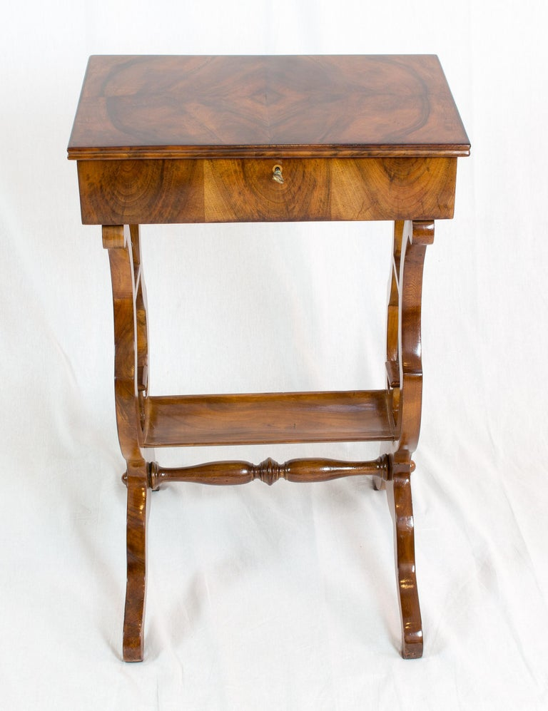 Polished 19th Century Biedermeier Lyra Walnut Sewing or Side Table For Sale