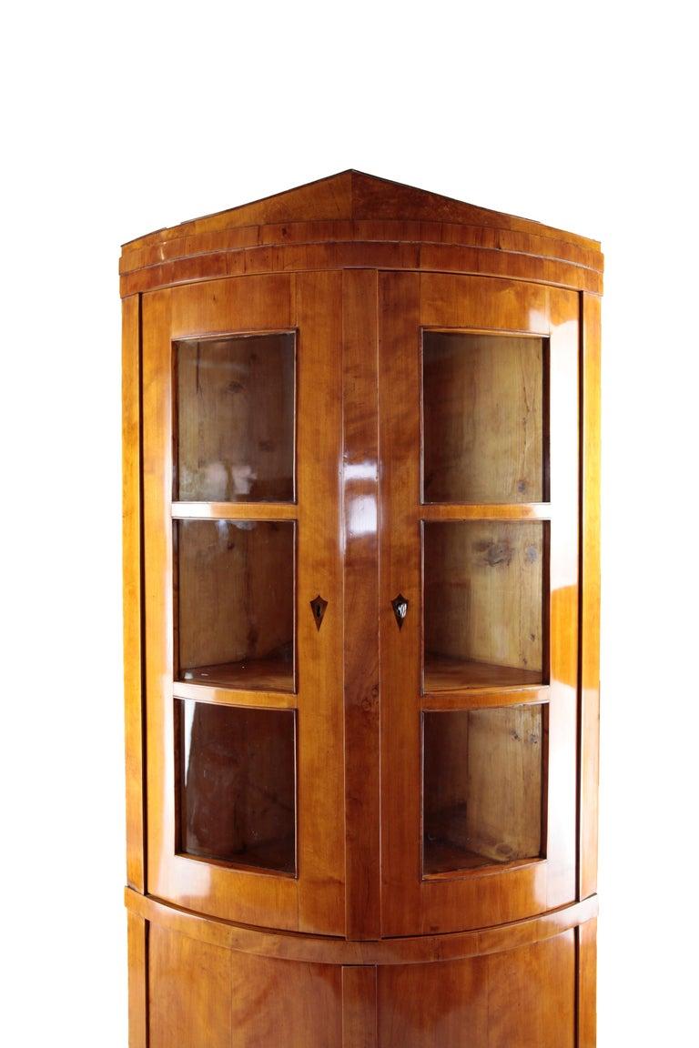 Veneer 19th Century Biedermeier Period Corner Cupboard, circa 1820-1830, Birchwood For Sale