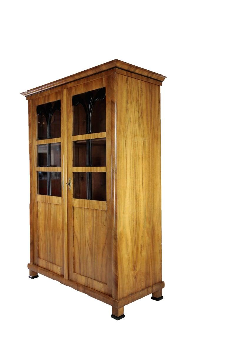 German 19th Century Biedermeier Period Glass Cabinet, circa 1830-1840, Walnut For Sale