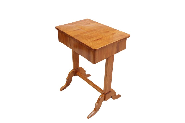 German 19th Century Biedermeier Sewing or Side Table Made of Cherrywood For Sale