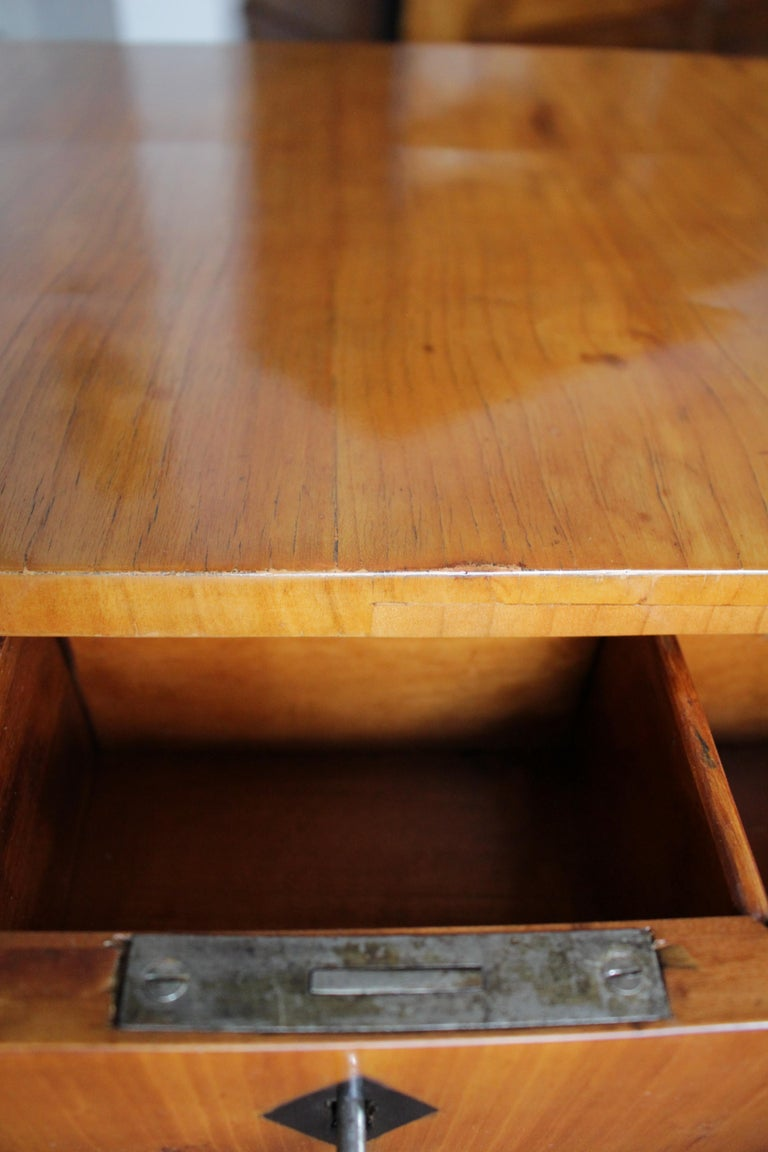 Polished 19th Century Biedermeier Sewing or Side Table Made of Cherrywood For Sale