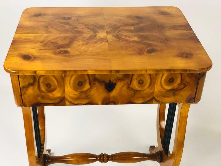 German 19th Century Biedermeier Sewing Side Lyre Table of Rare Oyster Walnut Veneer For Sale