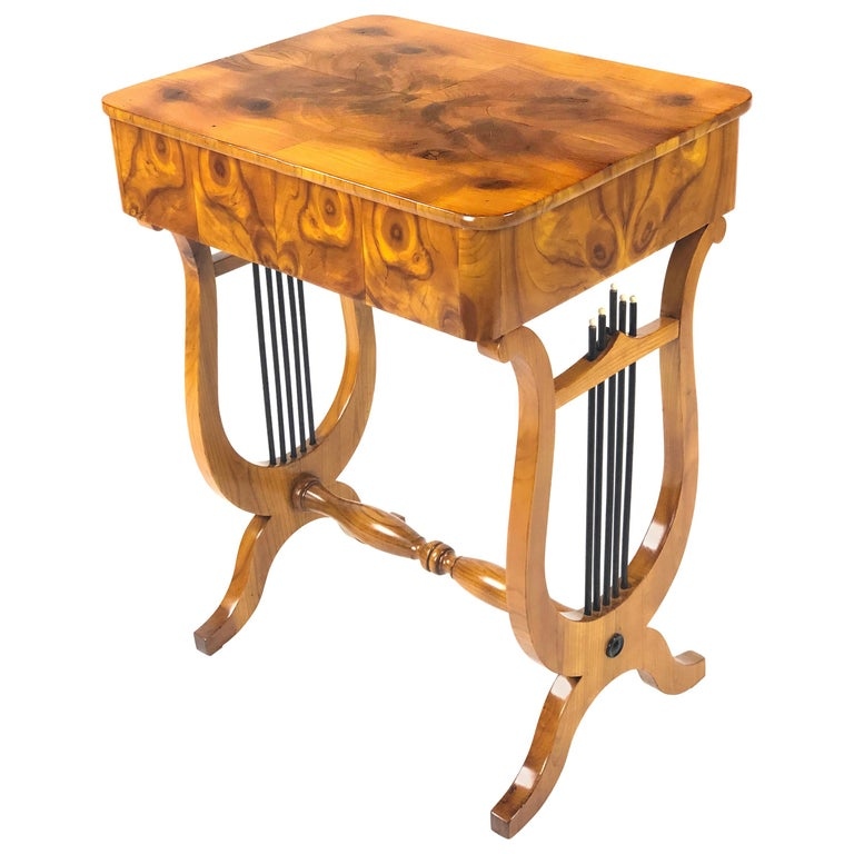 19th Century Biedermeier Sewing Side Lyre Table of Rare Oyster Walnut Veneer For Sale